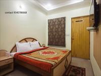 Apartment / Flat for rent in Sector 51, Noida